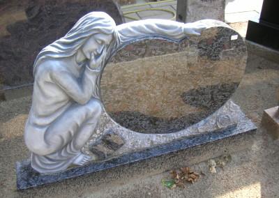Herzförmiger Grabstein
