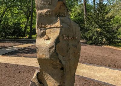 Naturstein Grabmal
